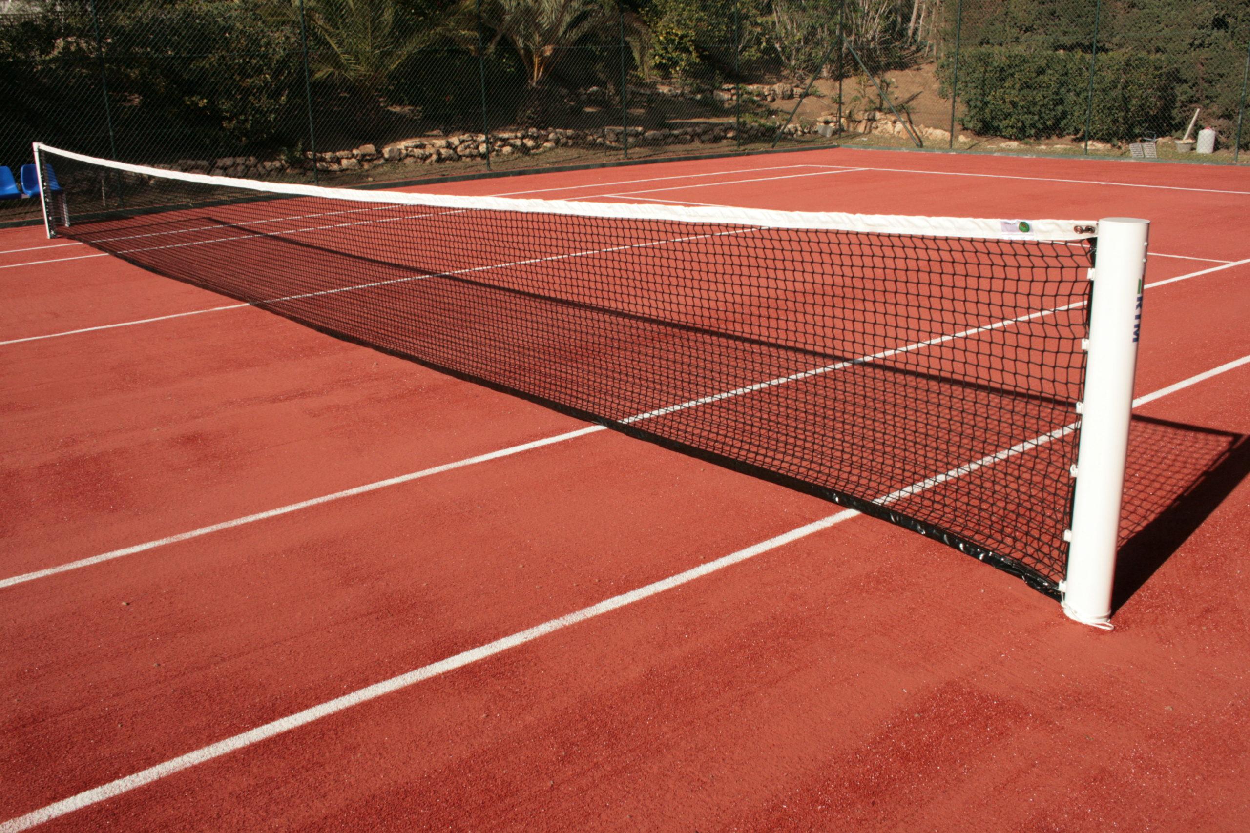 Instalación de césped artificial para tenis