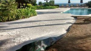 Instalación de césped artificial sobre tierra