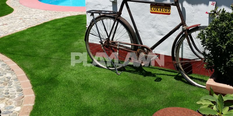 Césped Artificial Málaga | Piscina Exterior | Playlawn